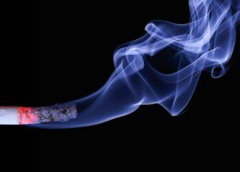 sigara icmeyi birakmak - Sigarayı bırakmak çok şey değiştirir - Sağlık Haberleri - Sağlıkla İlgili Güncel Bilgi - Sigara, ağızla başlayıp tam olarak akciğerlerde bulunan damarlara kadar uzanan sayısız sağlık sorunun baş tetikçisidir. Uzmanlar, sigara bırakıldıktan sonra vücutta yaşattığı olumlu gelişmelere dikkat çekerken, bırakma döneminin 3 ay sonrasında efor kapasitesinin arttığını vurguluyor. Nefes alma ve verme dengesi kolaylaşıyor ve tat ile koku alma duyularında gerçekten kuvvetli etkiler yaşanıyor. Kişinin sigara bırakma sonrasında kendini daha güçlü ve dayanıklı hissettiği ortaya çıkmıştır.